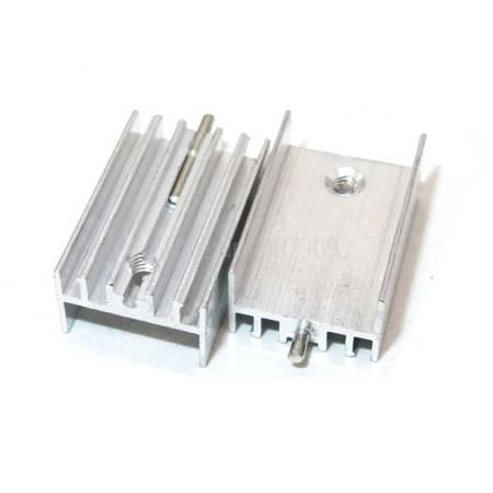 Radiator aluminiowy TO220 - 30x15x10mm - z igłą